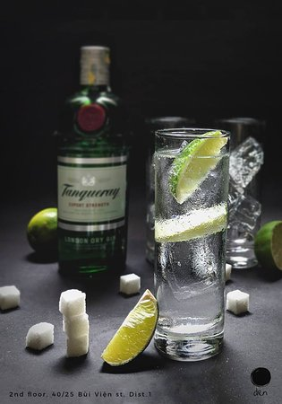Den The Bar : live a longer and happy life Gin 'n' Tonic