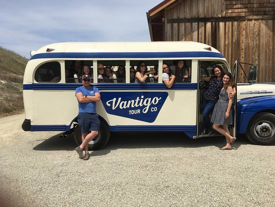 Paso Robles, CA: Hanging out at Whalebone Vineyard