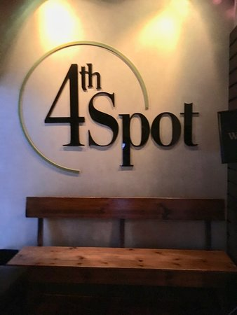 4th Spot Kitchen and Bar : Entrance