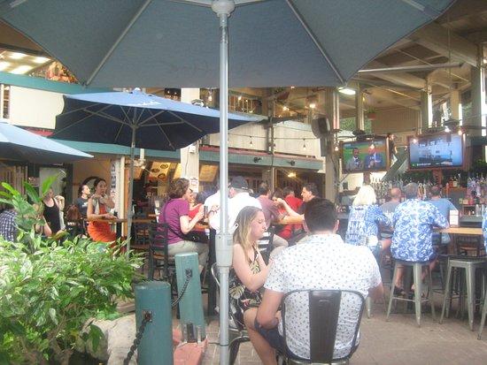 Down the Hatch Maui: courtyard