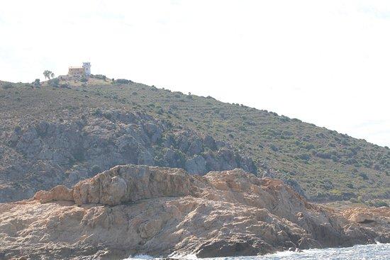 Phare de la Pietra : L'île de la piétra