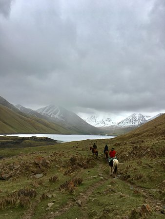 Taigan Expeditions: Taigon Expeditions- Kol Ukok Alpine Lake journey with horses