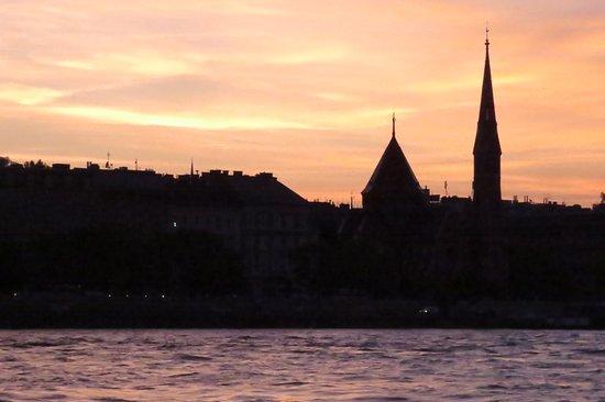 Danube River: atardecer