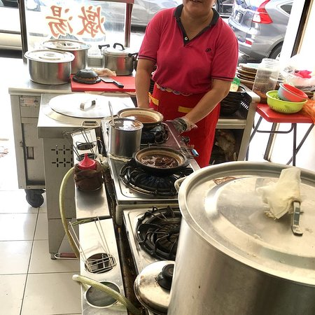 Singapore Foodsters: Herbal Pork Ribs Soup Stall in Melaka, Malaysia