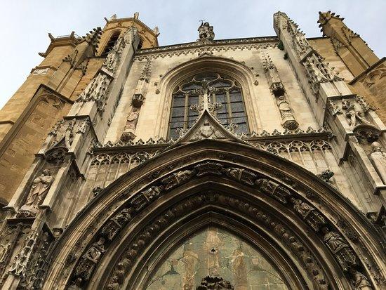 Cathedrale St. Sauveur: Facade Detao;s