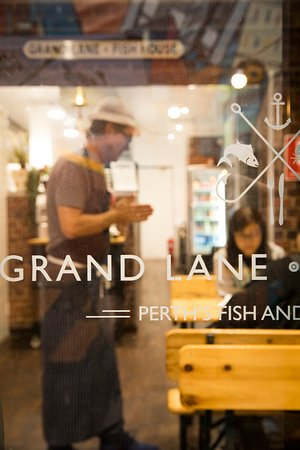 Grand Lane Fish House: First class Fish and Chips served with passion!