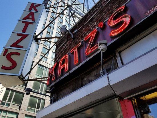 Katz's Deli : A vintage sign