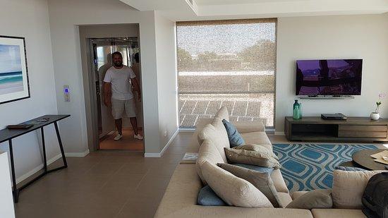 Aqua Aqua Luxury Penthouses: Views of harvey bay just outside