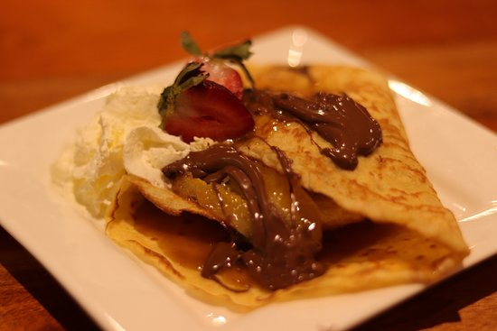 Blue Water Bar and Restaurant: Banoffee Crepes