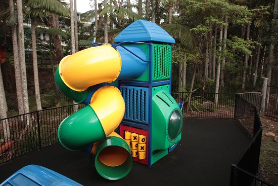 Blue Water Bar and Restaurant: Childrens play equipment 2