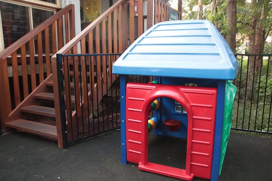 Blue Water Bar and Restaurant: Childrens play equipment 1