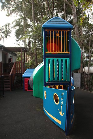 Blue Water Bar and Restaurant: Childrens play equipment 3