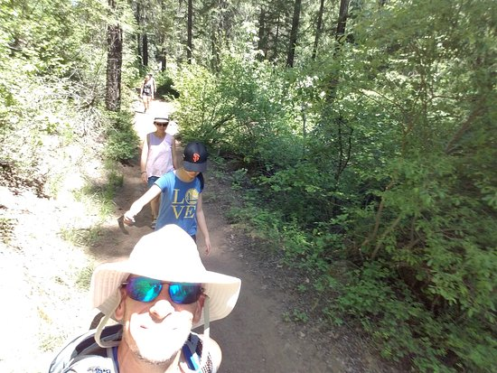 McCloud Outdoors: On the trail