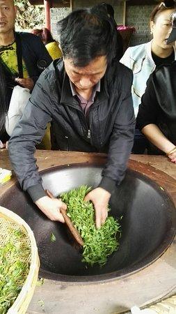 Mingshan County, Çin: IMG_20180511_155031_large.jpg