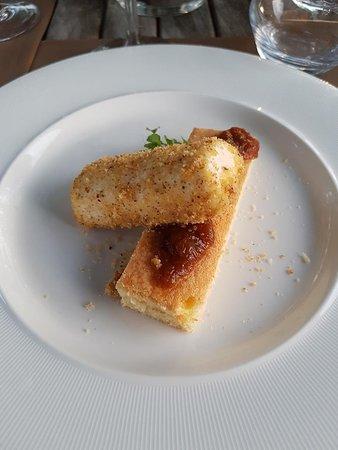 Conviva: Parfait van schapenkaas, honing, tijm en pecan
