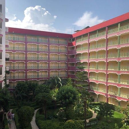 PGS Hotels Kiris Resort: Hotel grounds