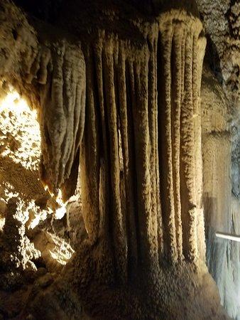 Lakehead, CA: Inside the caves