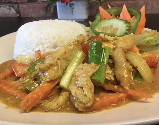 Kay's Kitchen: Traditional Thai starters, stir frys, curries and noodle dishes available all day