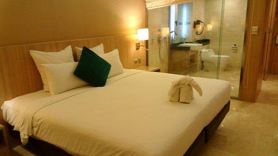Novotel Surabaya Hotel and Suites Photo