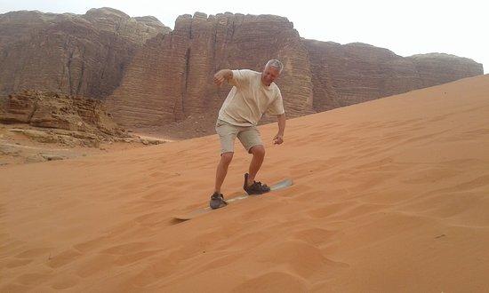 Beyond Wadi Rum Camp : у костра