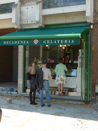 Gelateria Decadenza