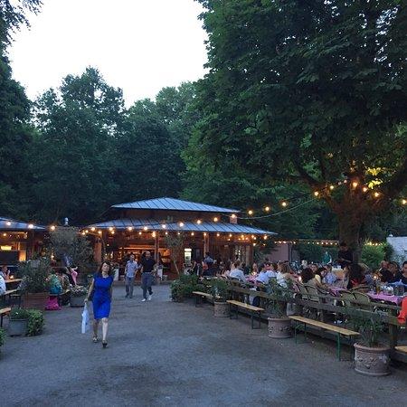 Cafe am Neuen See, Biergarten ภาพถ่าย