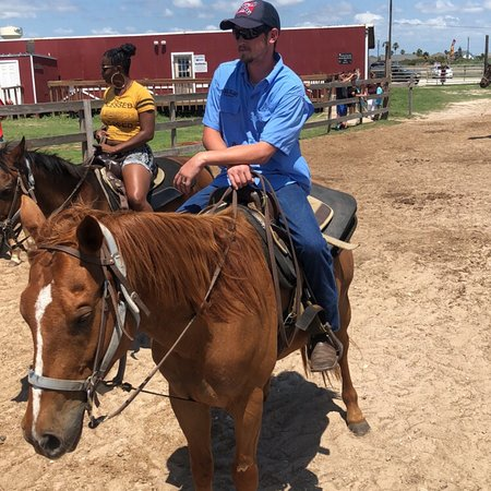 Horses On The Beach: Corpus Christi : Me and my fiancé had a blast the horses were great and the guides were amazing over all everythi
