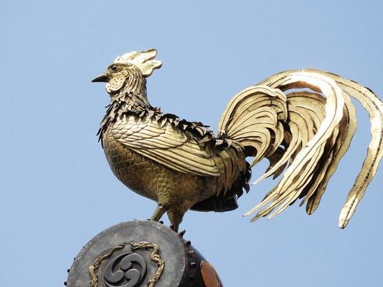 Takayama Mikurumayama Matsuri: 山車のてっぺんの鶏の飾り