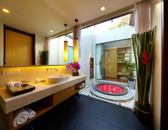 เฉวง รีเจนท์ บีช รีสอร์ท: Spa Villa Suite Bathroom