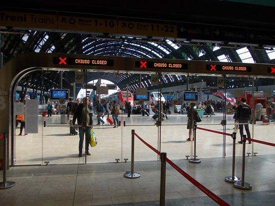 Milano Centrale: geschlossenes Gate
