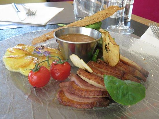 Le Comptoir JOA : Magret de canard, pommes Anna jus de canard et pommes granny