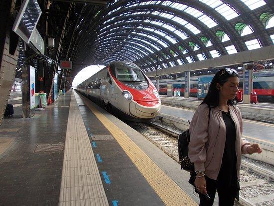 Milano Centrale: ankommender Schnellzug