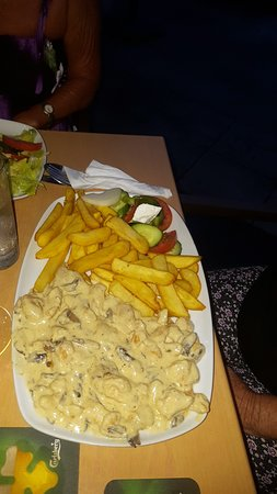 Shake Bar: Chicken fillet in a white cream sauce