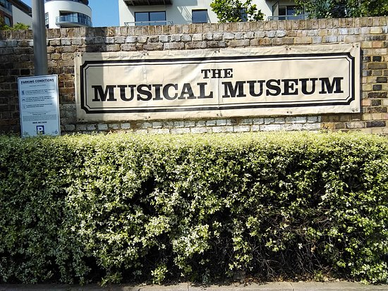 The Musical Museum - Just look for the sign