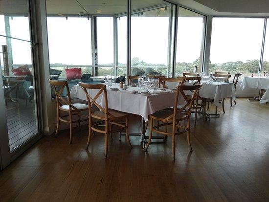 Jack Rabbit Vineyard: Restaurant area