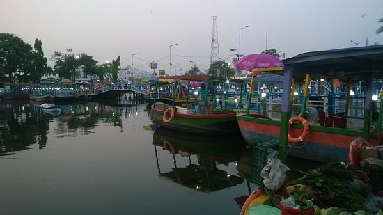 Floating Market Patuli