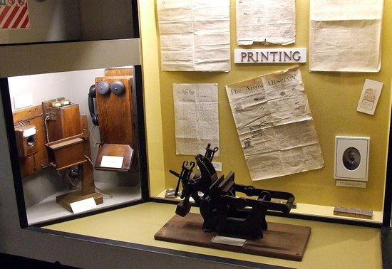 Lakes District Museum & Art Gallery: Old printing machine