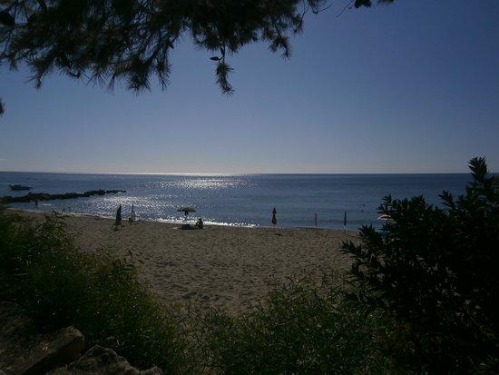 Villaggio Marinella: Vista dalla piazzola della spiaggia libera