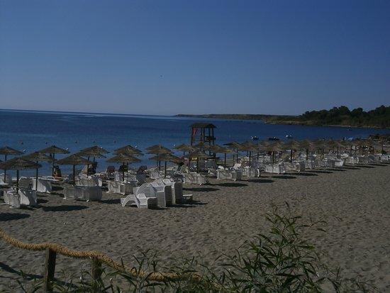 Villaggio Marinella: La spiaggia attrezzata del villaggio