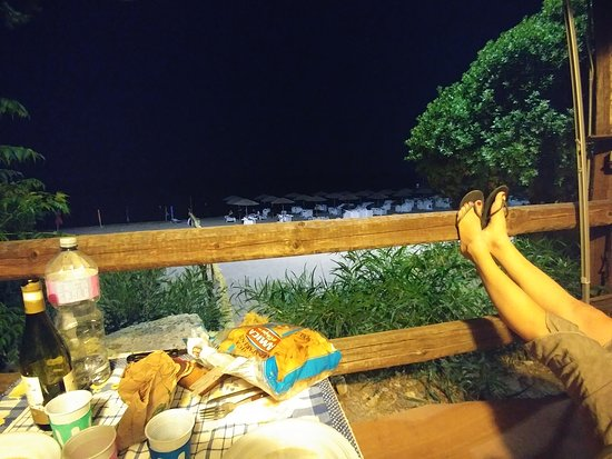 Villaggio Marinella: La sera a cena.....
