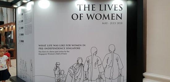 พิพิธภัณฑ์แห่งชาติสิงคโปร์: Part of the exhibition -The Lives of Women in Singapore