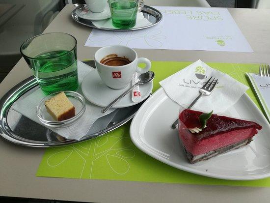 Hainburg an der Donau, Austria: LIVIOS Cafe Bar Gartencenter