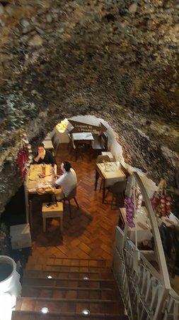 Lavello, Itália: ingresso alla grotta inferiore