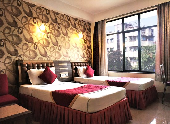 Hotel Executive Tower : Superior Room With City View
