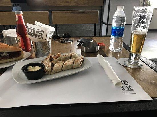VEER Resto-Lounge: Shawerma