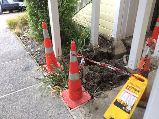 Akaroa Village Inn: Just outside our door