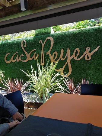 Casa Reyes: Local