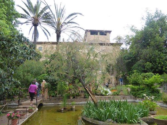 Son Marroig: La mansión desde los jardines