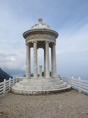 Son Marroig: Templete de mármol