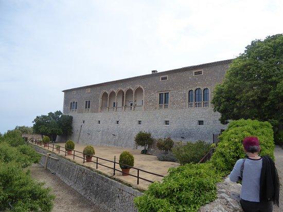 Son Marroig: Vista general de la mansión desde el templete